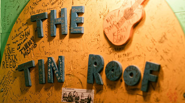 The-Tin-Roof-sign.jpg